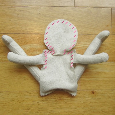 Free Sewing Pattern PDF, Classic Rag Doll by Amie Scott Sews https://amie-scott.com/2015/08/28/rag-doll-sewing-instructions/